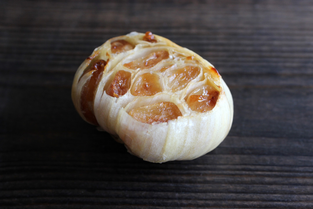 How to Roast Garlic | Style & Spice